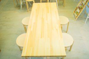 テーブル(4人)