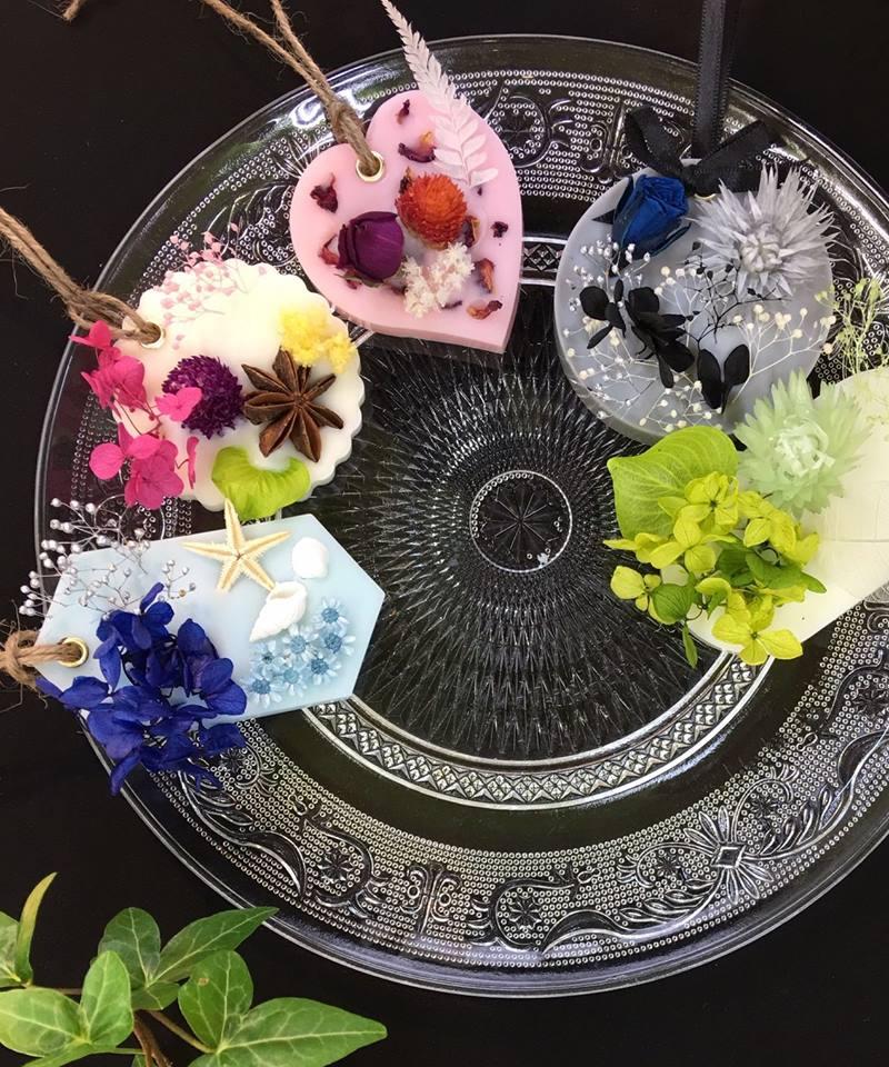 ワークショップ【お好きなお花・香りでつくるアロマワックスサシェ】
